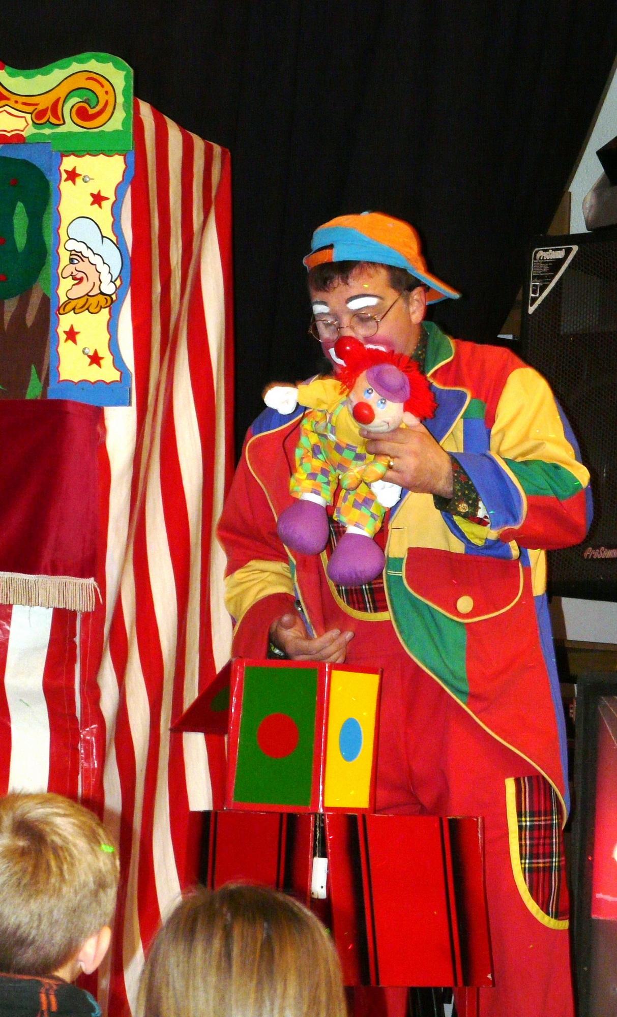 Jolly Jingles entertaining the children
