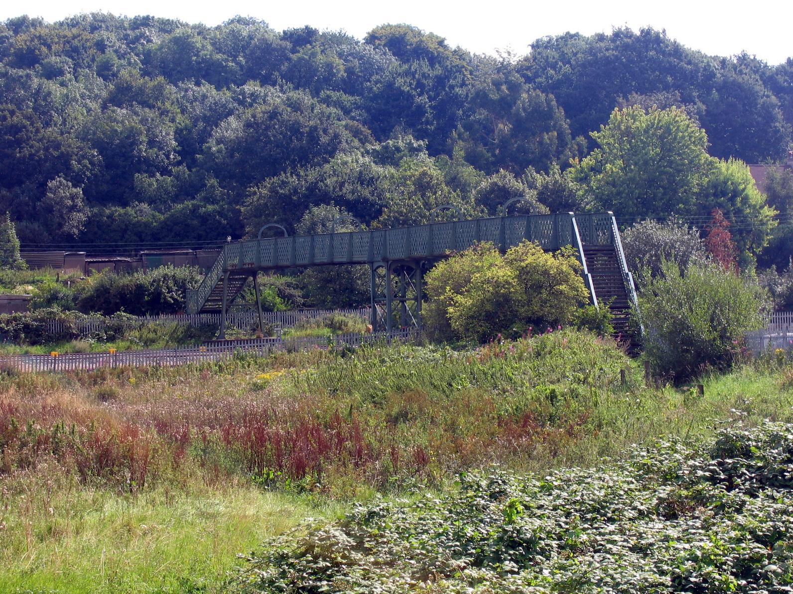 railway-footbridge